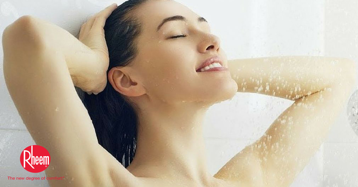 BOOSTS CONFIDENCE AND EXUDES A GLOWING AND YOUTHFUL SKIN