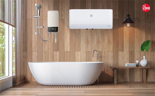 Máy nước nóng được lắp đặt trong phòng tắm